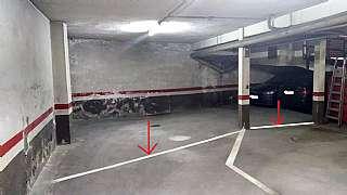 Car parking in Circumval·lació, 83. Plaza doble con dos trastero independientes.