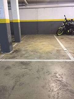 Parking coche en Carrer miquel coll alentorn, 5. Plaza de aparcamiento en can llobera