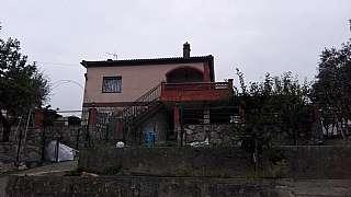 Casa en Carrer corral, 23. Casa con piscina por solo 200000€