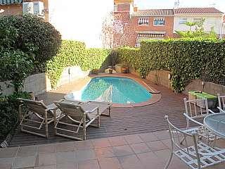Casa pareada en Arnau de vilanova,, 66. Preciosa casa con jardin y piscina privada