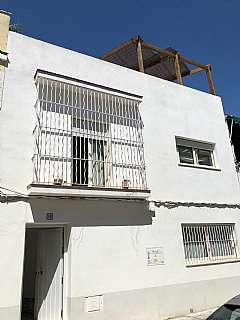 Casa pareada en Calle arroyo, 10. Fantastica casa perpendicular a c/ arroyo