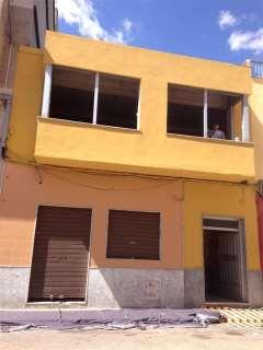 Maison jumelée dans Avenida jaime i, 58. Simat de la valldigna / avenida jaime i