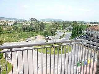Piso  Plaza europa - 10 min centro. Piso alto y soleado con vistas