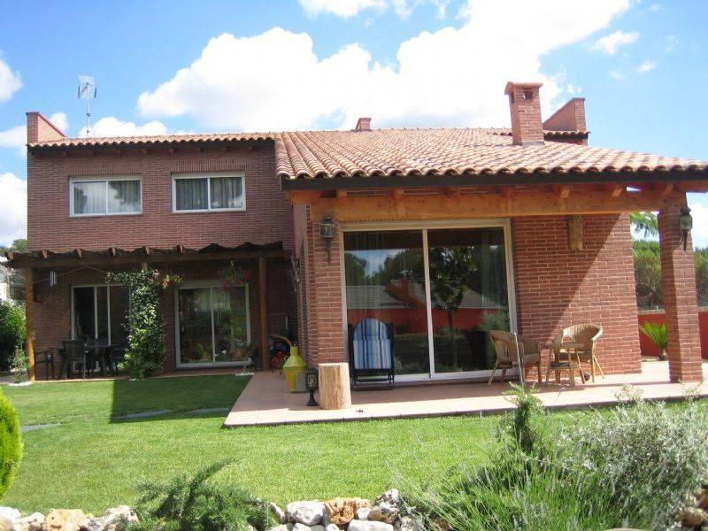 Torre por en vidreres habitaclia for Casa y jardin tienda madrid