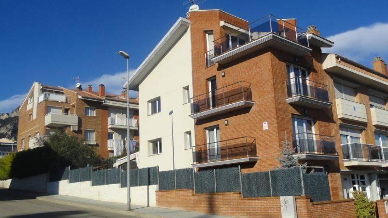 Casa adosada por en carrer saldes casa preciosa - Apartamentos en berga ...