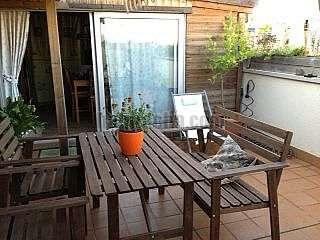 Casa en Carrer salvador busquets, 42. D�plex invertido con las ventajas de una casa