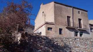 Masía en Carrer montblanc, 11. Masia adosada de 4 plantas