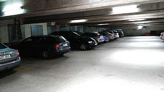 Parking coche en Carrer compositor joan cererols, 7