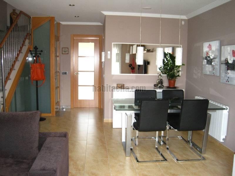 Casa adosada por casa muy moderna del 2010 en vilanova del cam habitaclia - Casas vilanova del cami ...