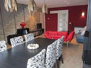 Casa adosada en Carrer princep de viana, 24. Estupenda casa casi nueva